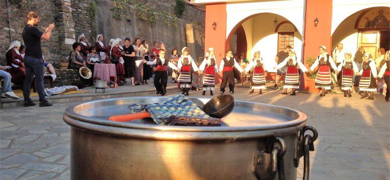 Άκρως παραδοσιακή «η γιορτή της μοναστηριακής κουζίνας» στη Μεγάλη Παναγία