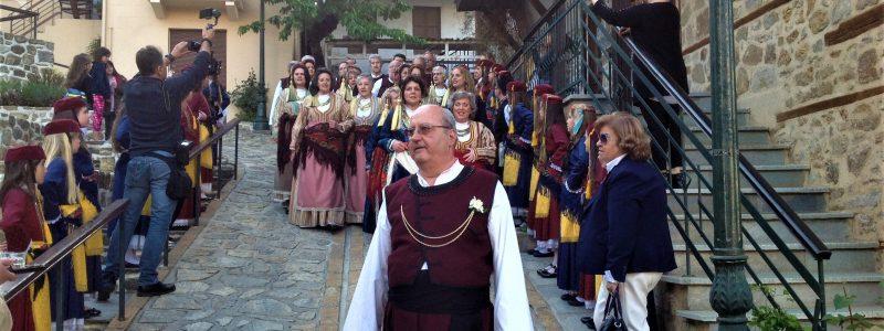 Ζυμαρομελώματα και λουκανικο-σχάρες στην Αρναία!